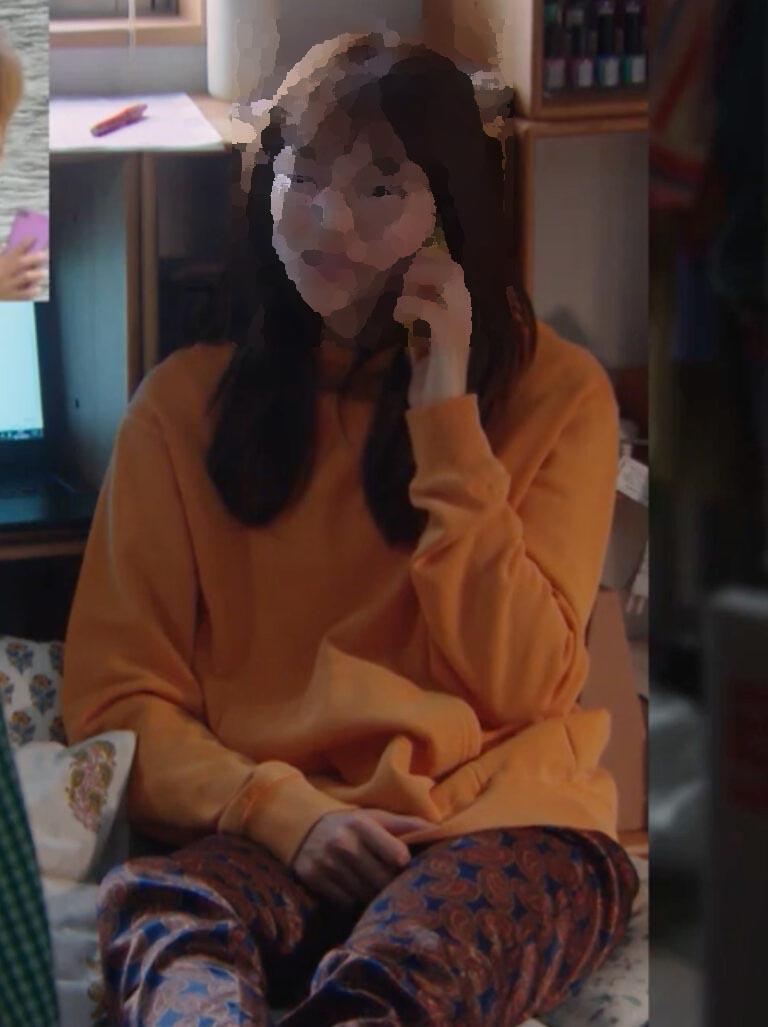 着飾る恋 川口春奈 服